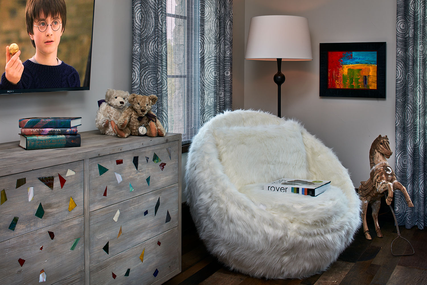 white furry chair in child bedroom