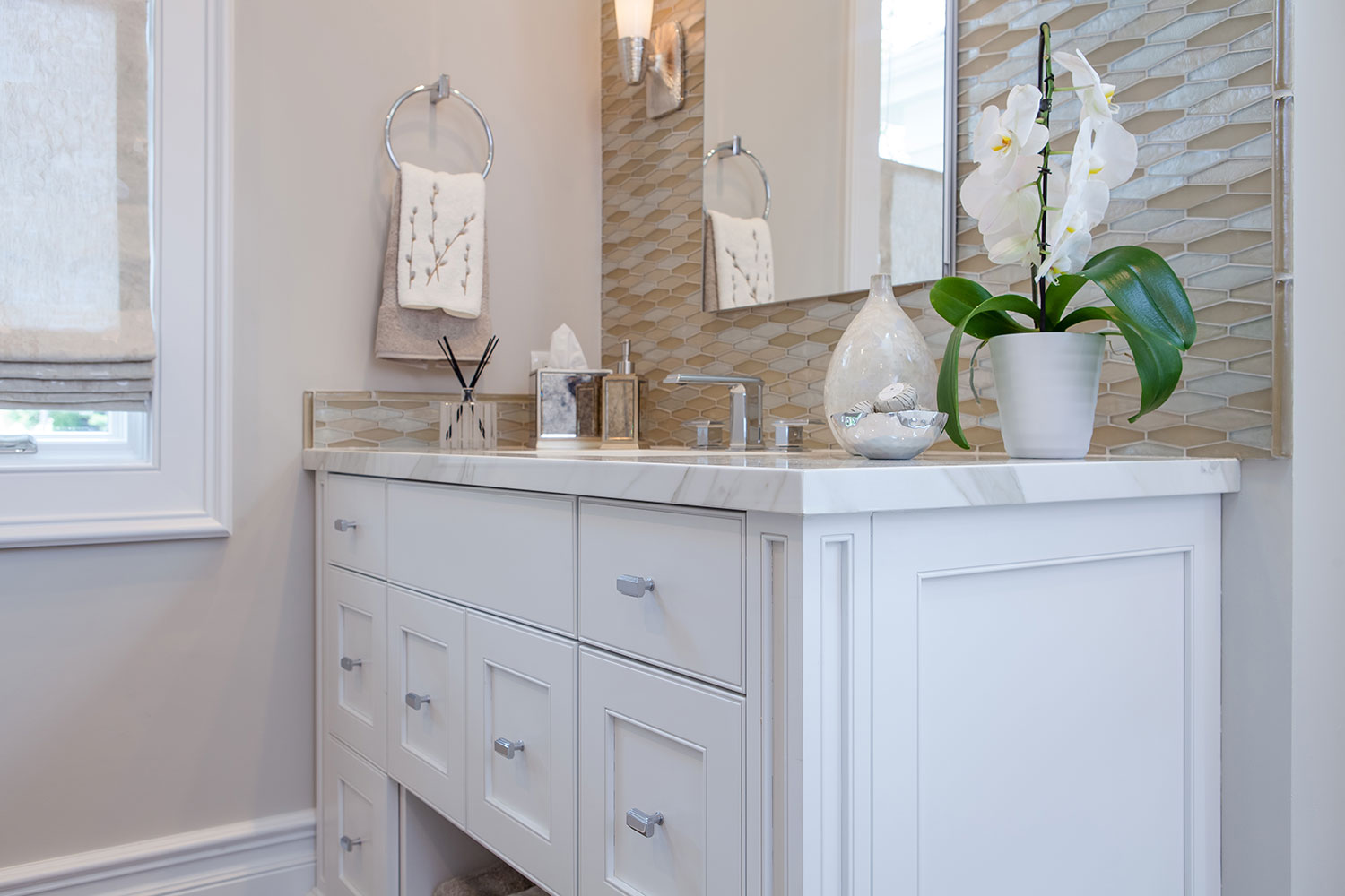 Square Knobs on Recessed Panel Cabinets