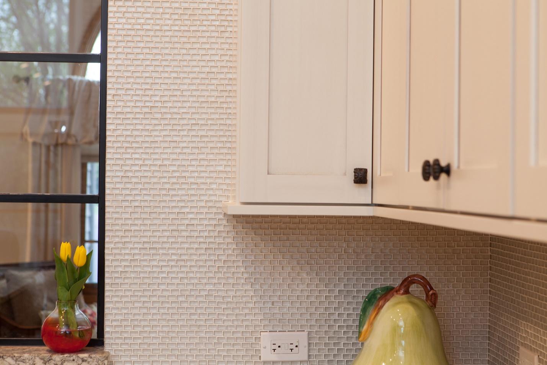 creamy white glass backsplash tile